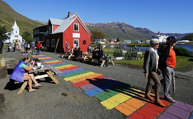 du lịch iceland tự túc - Seyðisfjörður