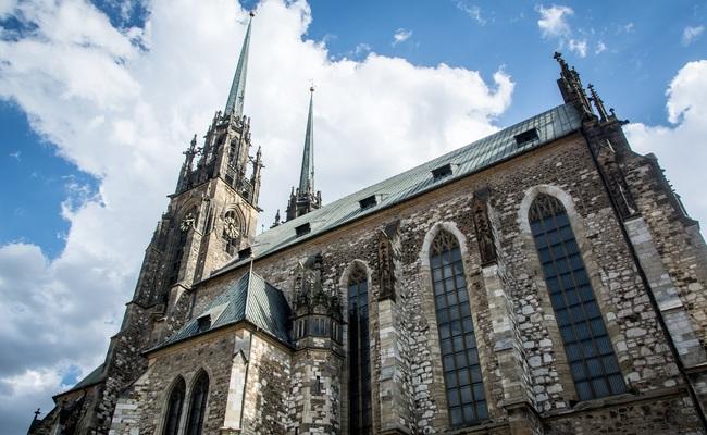 những điểm du lịch ở séc - nhà thờ thánh peter và thánh paul