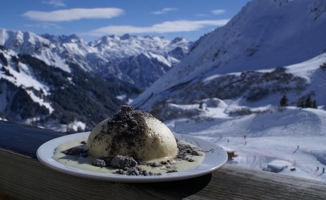 Germknödel – món bánh bao ngọt độc đáo của nước Áo