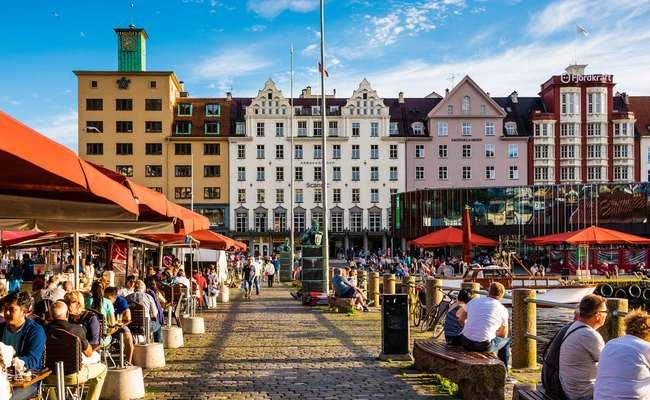du lịch bergen - market square