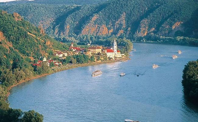 Hình thức du lịch trên sông Danube