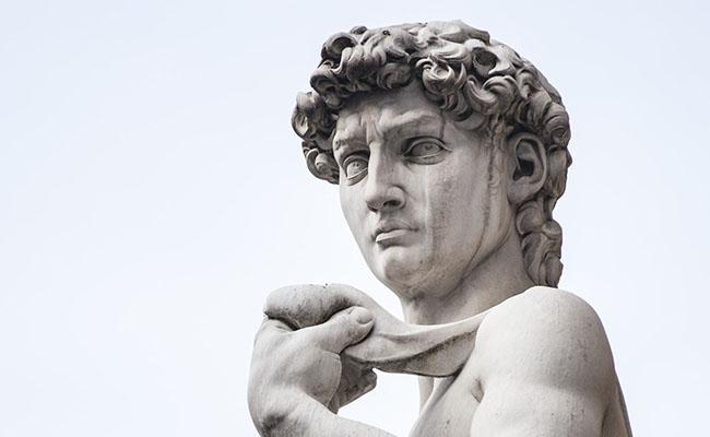 Ánh mắt nhìn thẳng về phía Rome