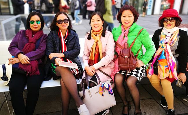 Những lời khuyến hữu ích cho khách lớn tuổi đi du lịch Châu Âu