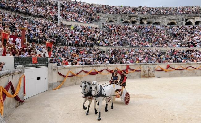 du lịch Nimes - lễ hội