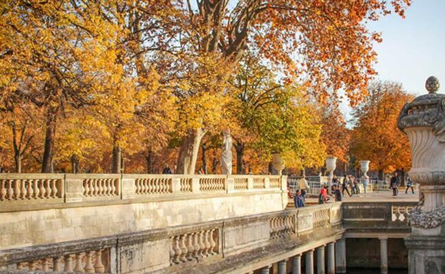 du lịch nimes - mùa thu