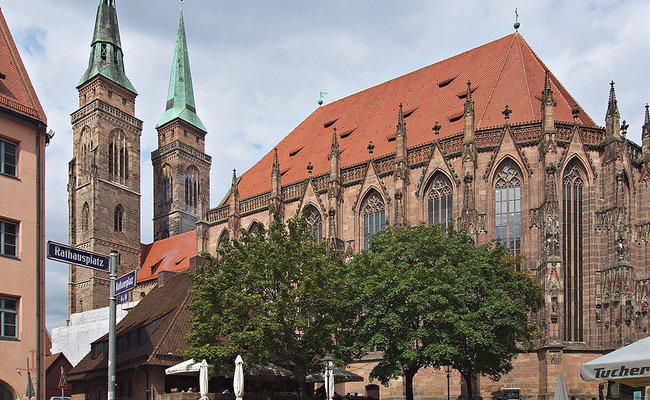 du lịch nuremberg - nhà thờ St. Sebaldus