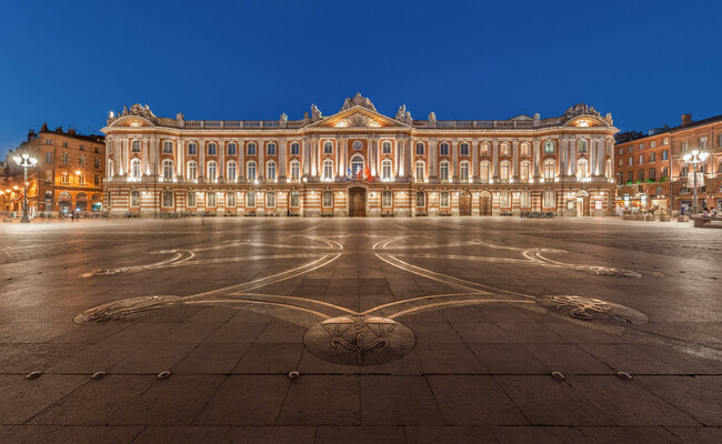 du lịch toulouse - quảng trường capitole