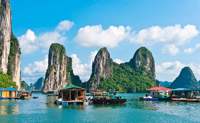 Làng chài Cửa Vạn, Việt Nam