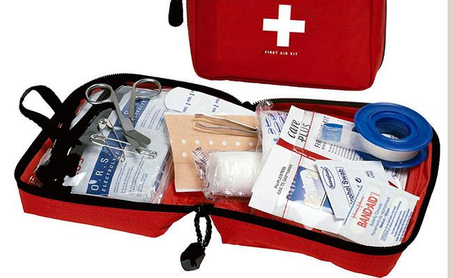 Mang theo một vài loại thuốc phổ thông và thuốc điều trị chuyên biệt