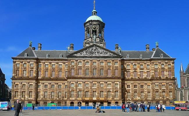 cung điện hoàng gia koninklijk - vị trí