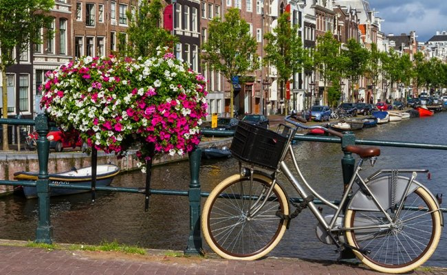 cung điện hoàng gia koninklijk - xe đạp
