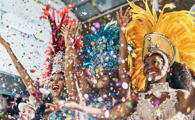 mùa hè ở châu âu - lễ hội Notting Hill Carnival