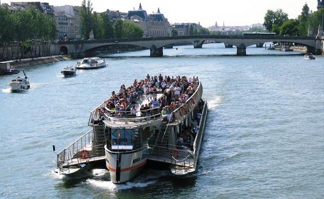 sông seine - tàu du ngoạn trên sông