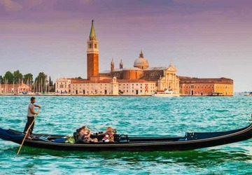 Thuyền Gondola và những điều bạn cần biết trước khi đặt dịch vụ này