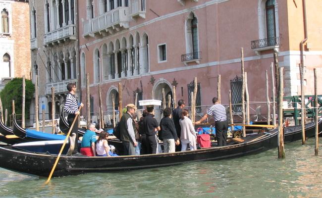 thuyền gondola - thuyền traghetto