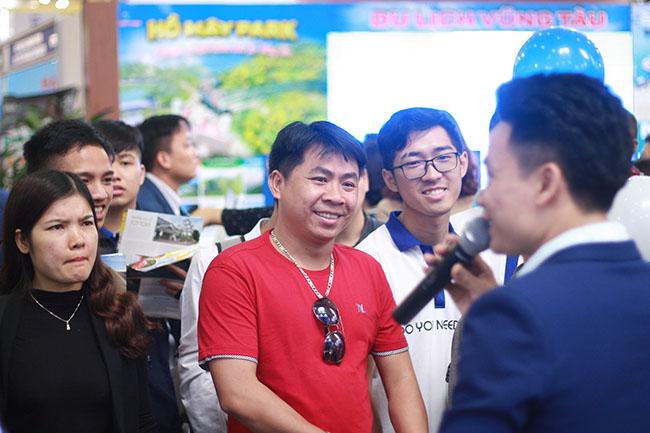 """Hoạt động game show """" Đoán đúng trúng quà KHỦNG"""""""