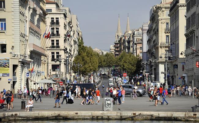 khu cảng cổ vieux-port - 1