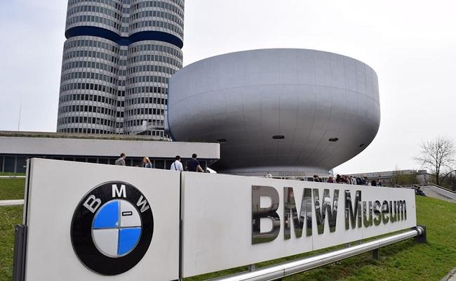 giờ mở cửa của bảo tàng ô tô BMW