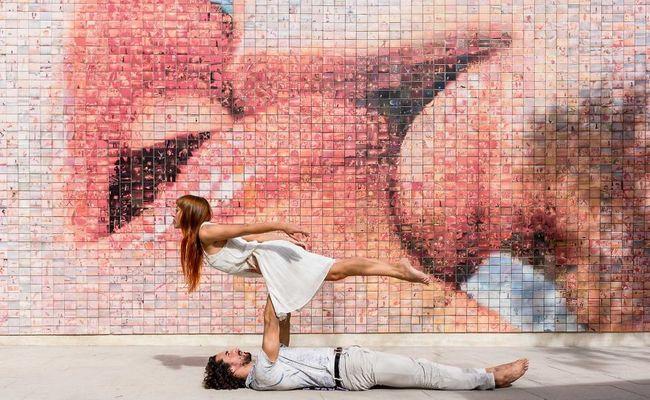 bức tường the world begins with every kiss - thời điểm tham quan