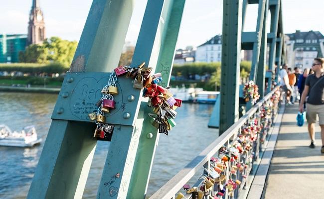 cầu sắt eiserner steg - tình yêu