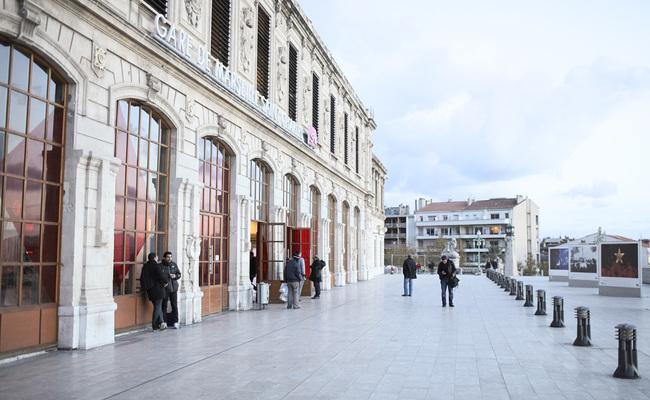 khu cảng cổ vieux-port - di chuyển