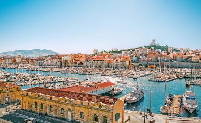 khu cảng cổ vieux-port - kinh tế