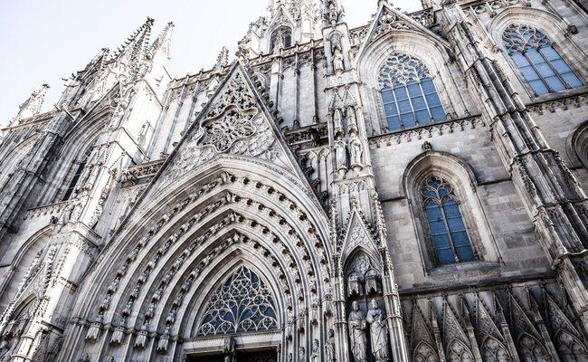 nhà thờ barcelona cathedral - mặt tiền