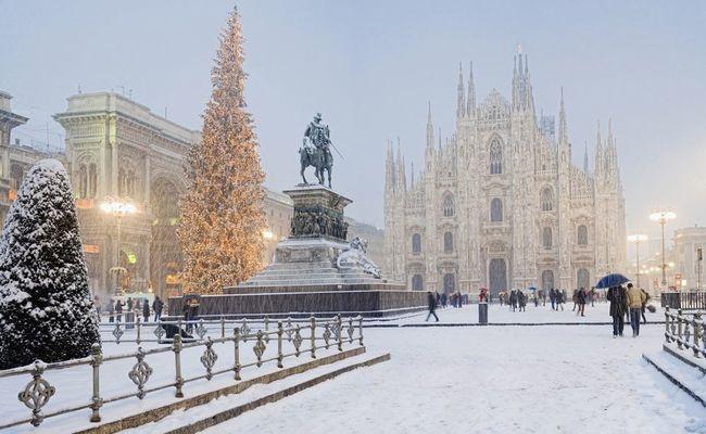 quảng trường piazza del duomo vào mùa đông