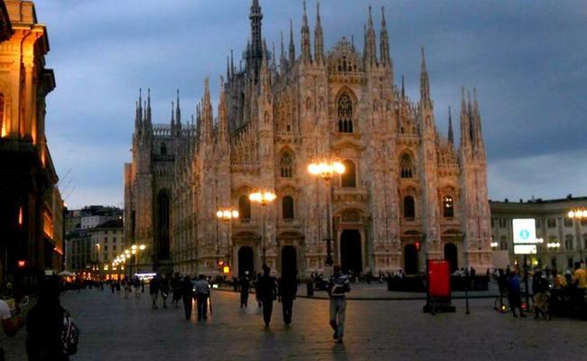 quảng trường piazza del duomo - vị trí