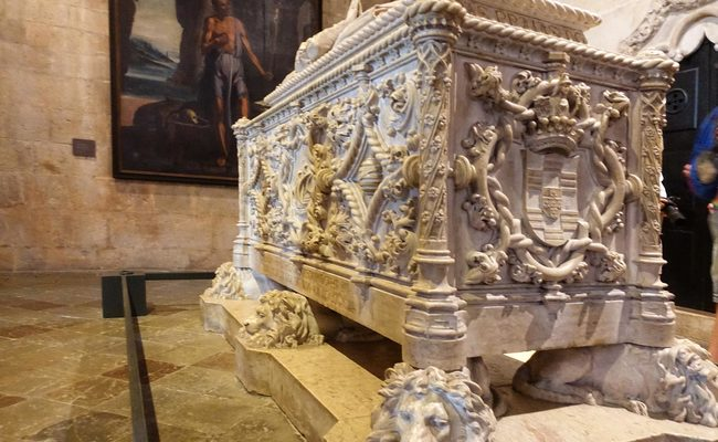 tu viện jeronimos - mộ của vasco da gama
