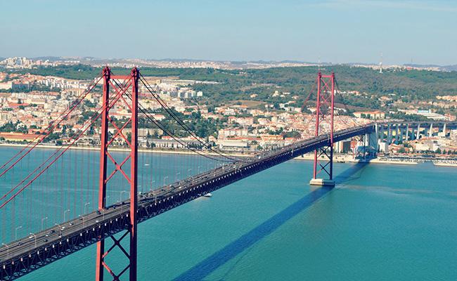 Cầu 25 tháng 4, Thành phố Lisbon, Bồ Đào Nha