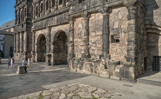 cổng thành cổ porta nigra - di sản UNESCO