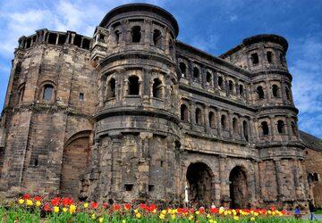 Đến nước Đức để chiêm ngưỡng tận mắt cổng thành cổ Porta Nigra