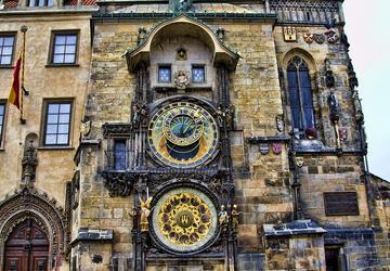 đồng hồ thiên văn học cổ prague astronomical clock