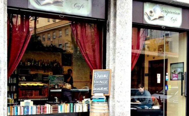 kinh đô thời trang milan - quán scriptorium