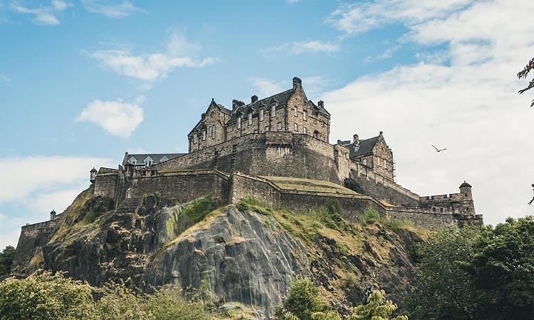 Lâu đài Edinburgh - Công trình nguy nga và bí ẩn bậc nhất nước Anh