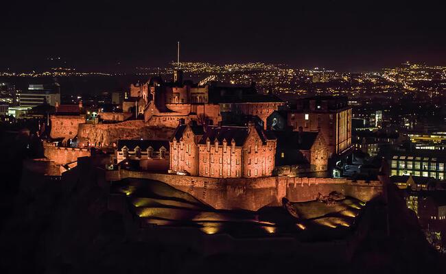 các truyền thuyết về lâu đài Edinburgh