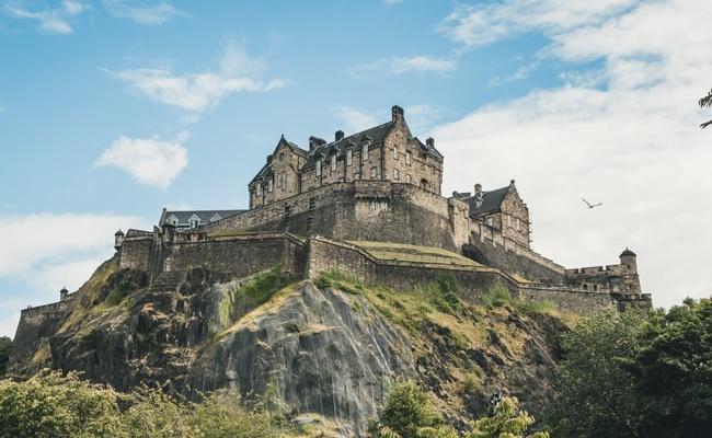 Lâu đài Edinburgh – Công trình nguy nga và bí ẩn bậc nhất nước Anh