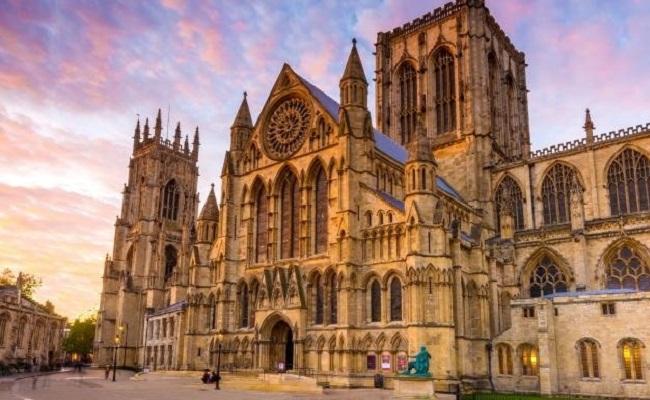 Vẻ đẹp cổ kính đậm đặc phong cách Gothic của nhà thờ York