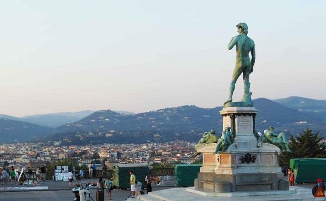 bức tượng David