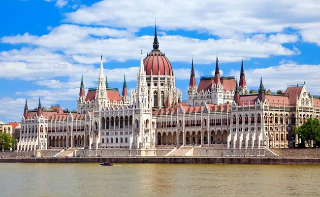 kiến trúc tòa nhà quốc hội hungary