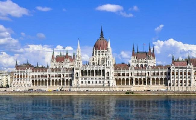 giờ mở cửa tòa nhà quốc hội hungary