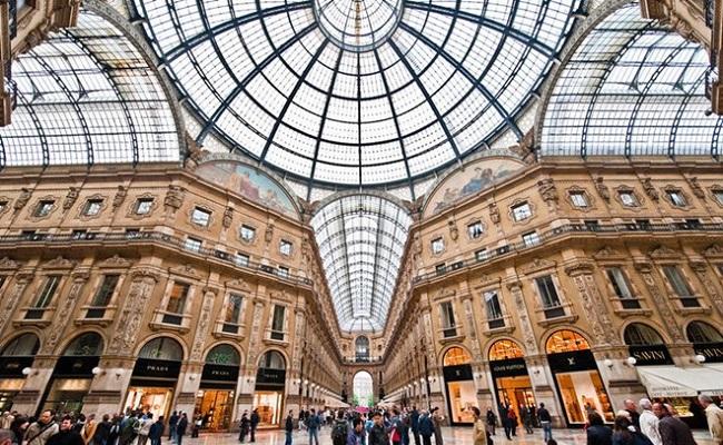 mái vòm tại trung tâm Vittorio Emanuele II
