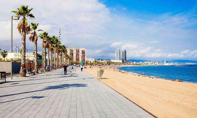 Bãi biển Barceloneta