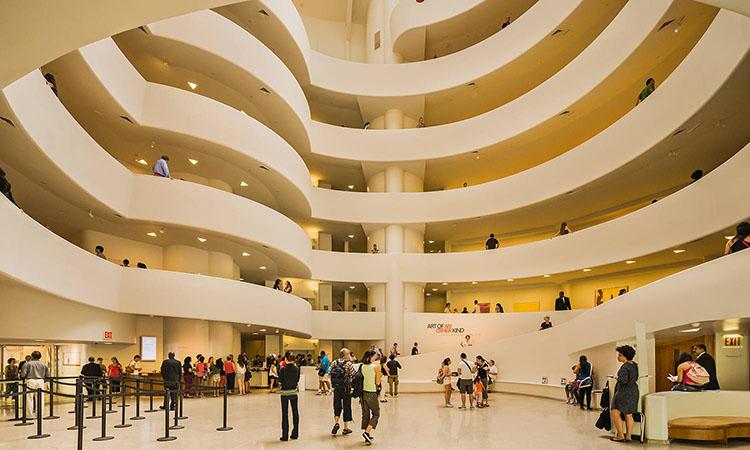 Bên trong bảo tàng Guggenheim
