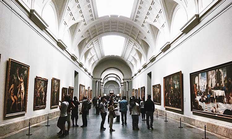 Bên trong bảo tàng Prado