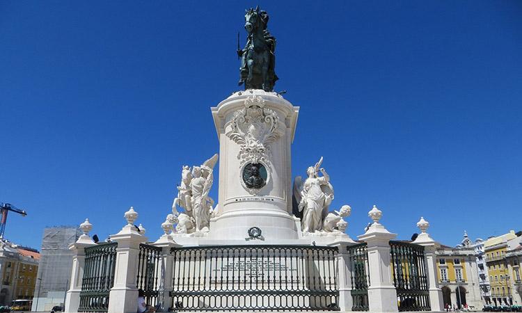 Bức tượng vua Jose
