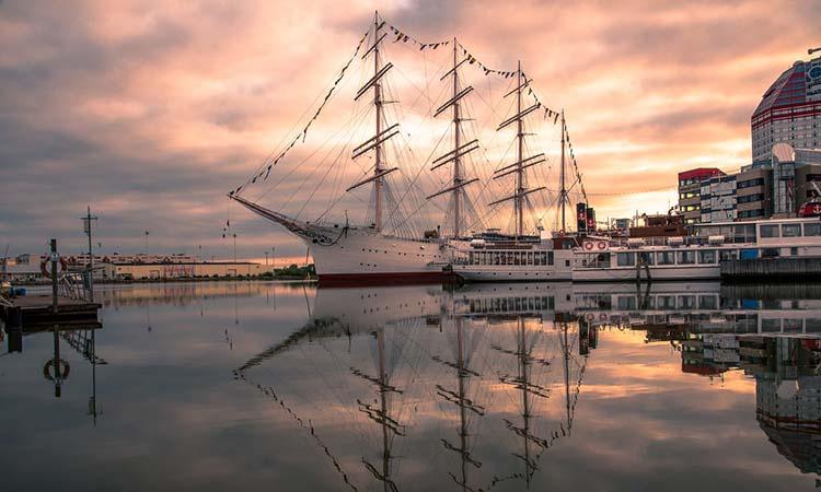 Bình minh tại cảng biển Gothenburg