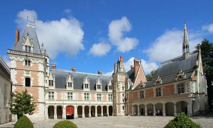Cung điện Blois