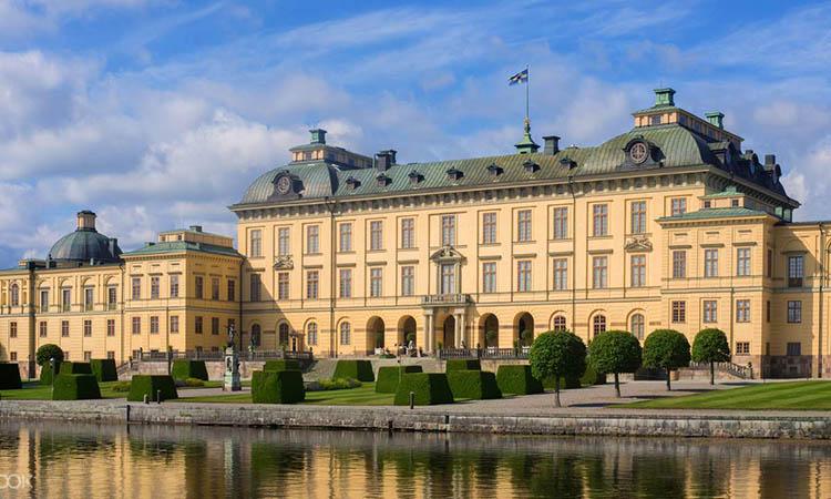 Cung điện Drottningholm